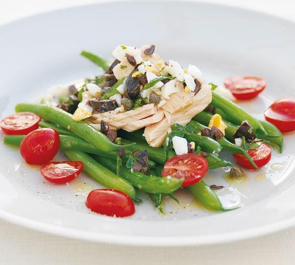 GREEN BEAN TUNA EGG salad hero 1 min - خواص ماهی تن و مواد مغذی آن