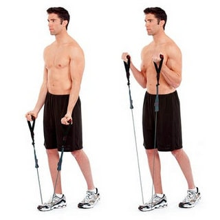 biceps curls resistance band min - آموزش صحیح حرکت جلو بازو با کش قدرتی در بدنسازی