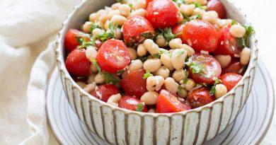 سالاد لوبیا و گوجه فرنگی ایتالیایی